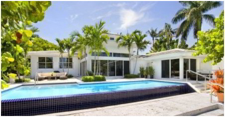 Villazzo newsletter archives luxury home rentals in for Interieur villa de luxe